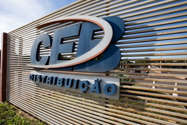 Não à privatização da CEB!
